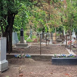 Старое кладбище Таганрога, Участок семьи священника Ильченко