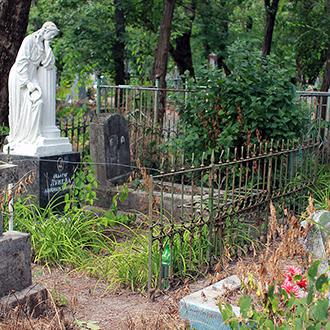 Старое кладбище Таганрога, Участок Луневых