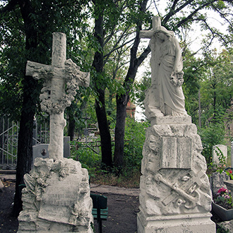 Старое кладбище Таганрога, Участок Комнено-Варваци у церкви