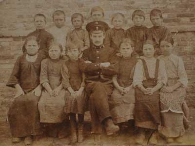 Старое кладбище Таганрога: Иван Дмитриевич Василенко — первый учитель школы в Новобессергеновке (село недалеко от Таганрога)
