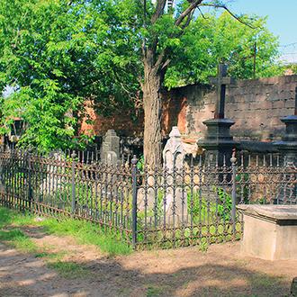 Старое кладбище Таганрога. Участок Рочеговых