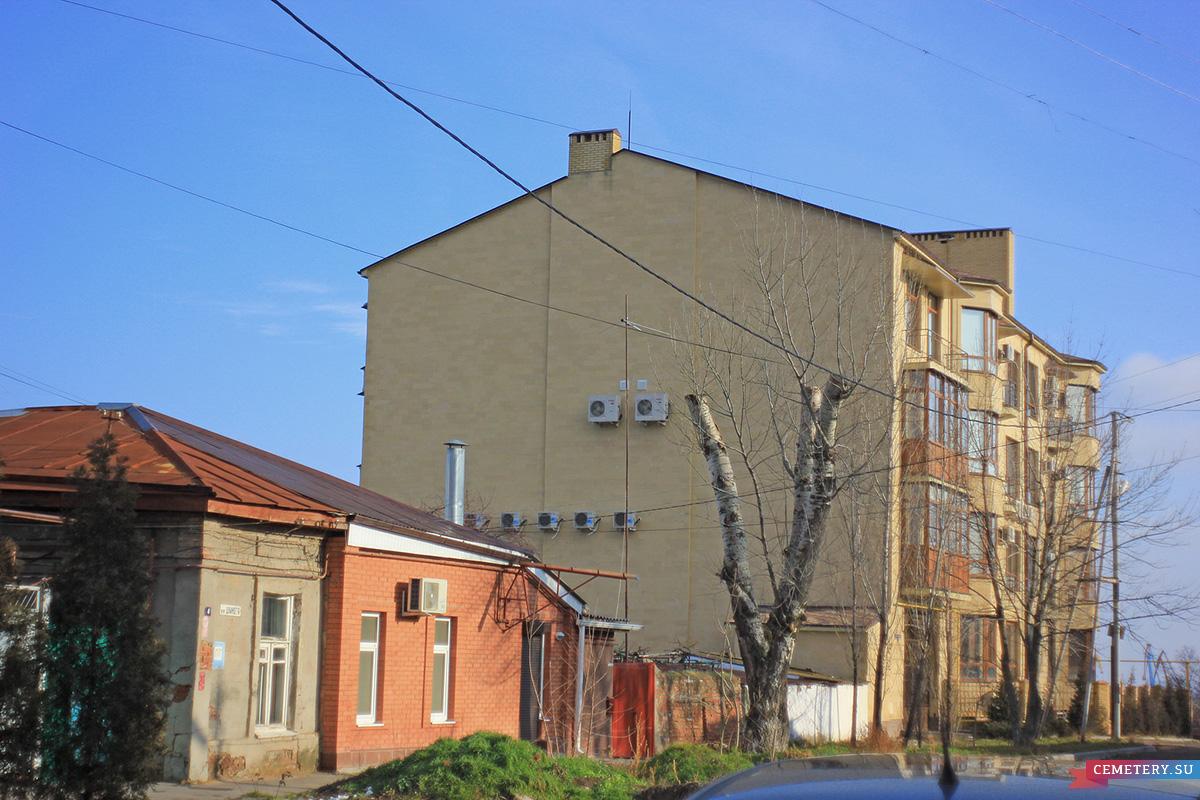 Старое кладбище Таганрога: Современное состояние домов по ул. Шмидте 2 и 4