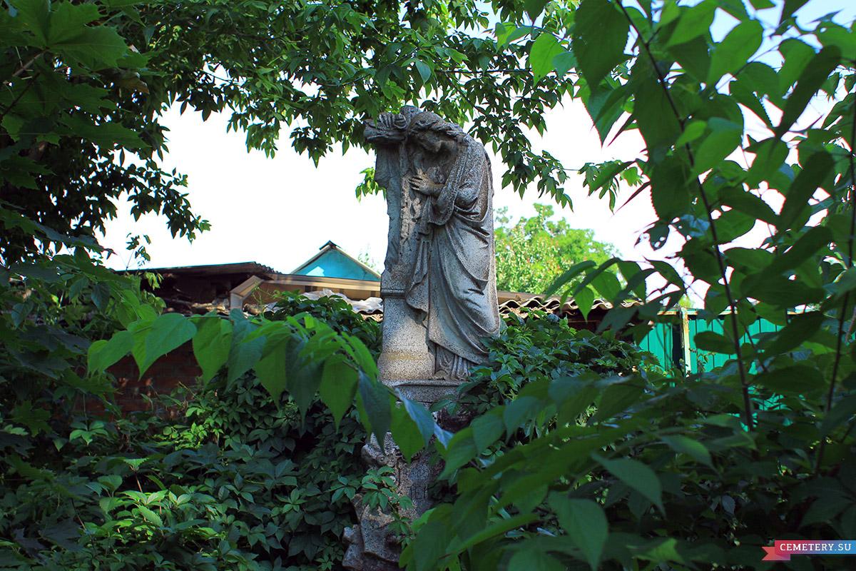 Старое кладбище Таганрога. Могила Н. А. Перестиани