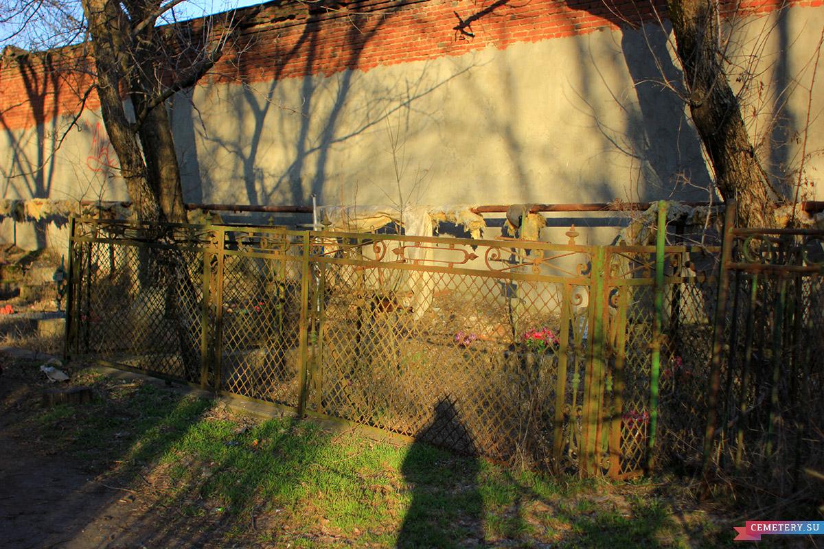 Старое кладбище Таганрога. Участок Вракопуло, Вайнер