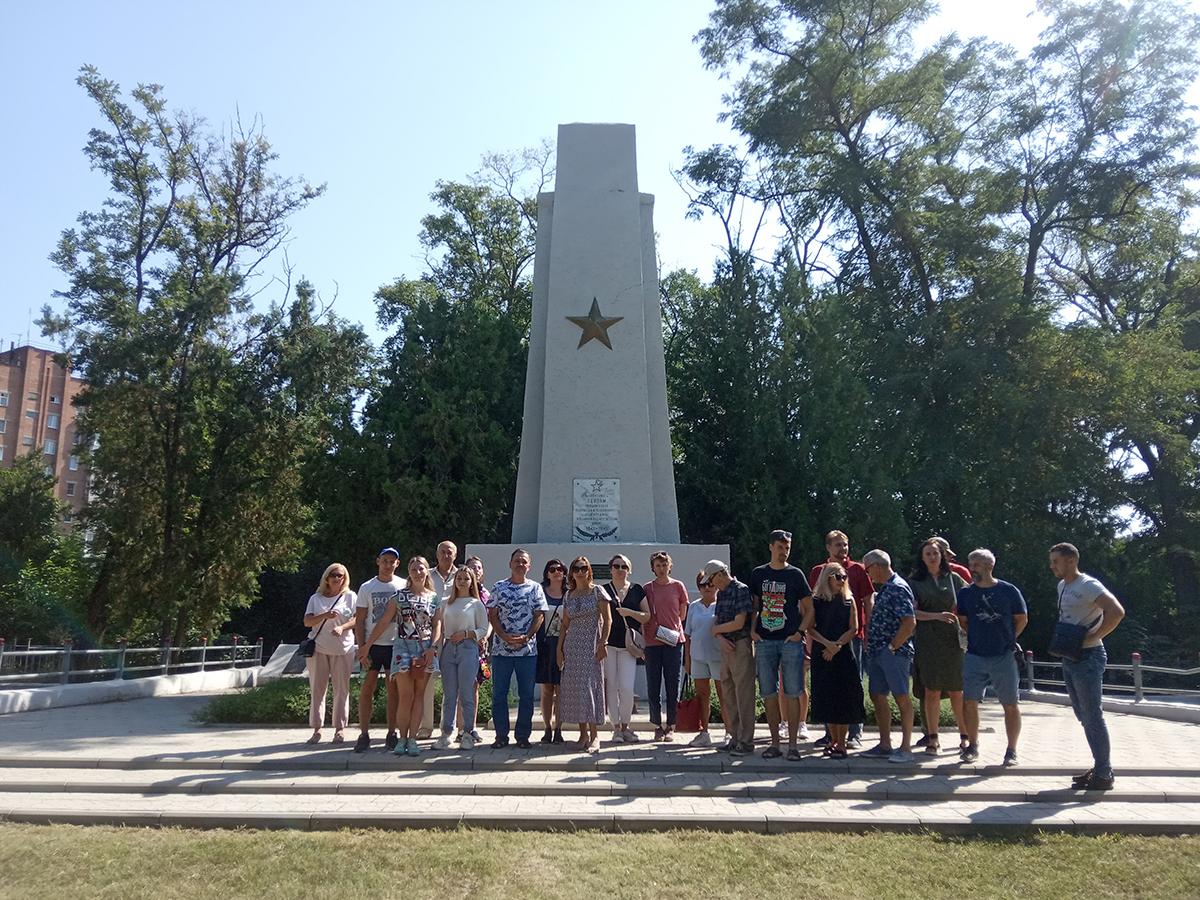 Экскурсия по старому кладбищу Таганрога Алексеенко Е.