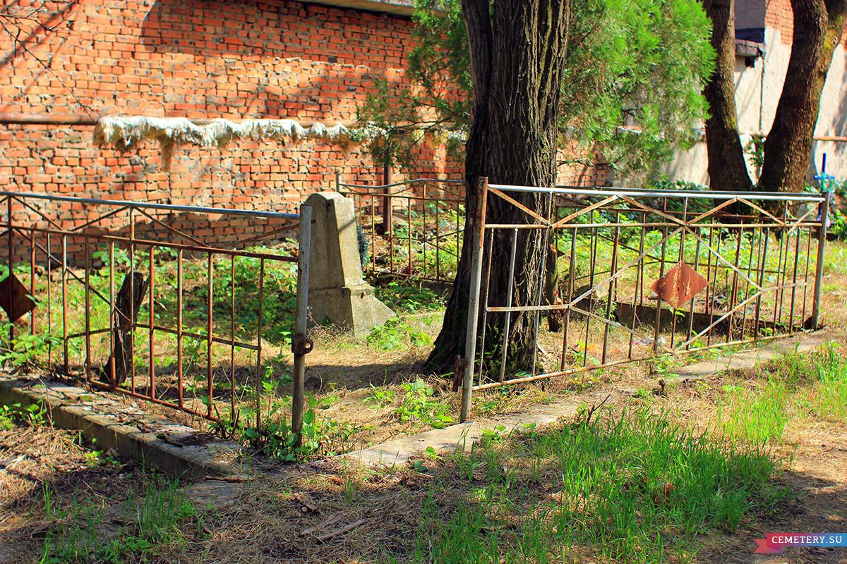 Старое кладбище Таганрога. Участок Бушак