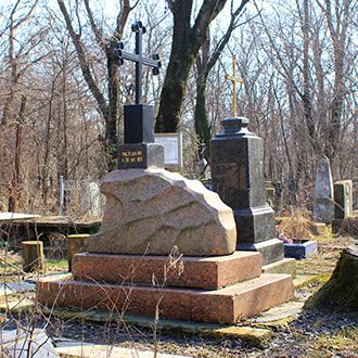Старое кладбище Таганрога, Участок Платоновых