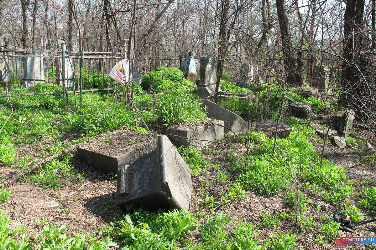 Старое кладбище Таганрога. Фамильный участок Мусури